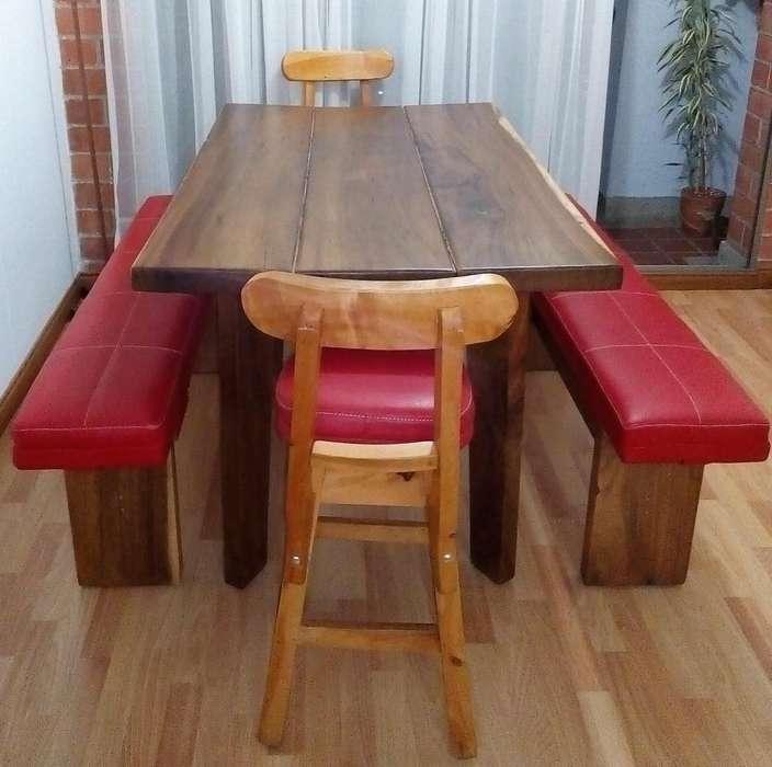 Se vende <strong>comedor</strong> en madera rústico