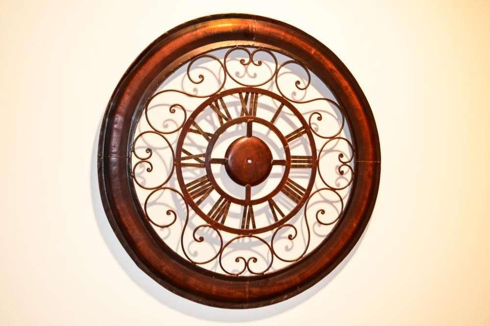 Pantalla de reloj metálico para decoración