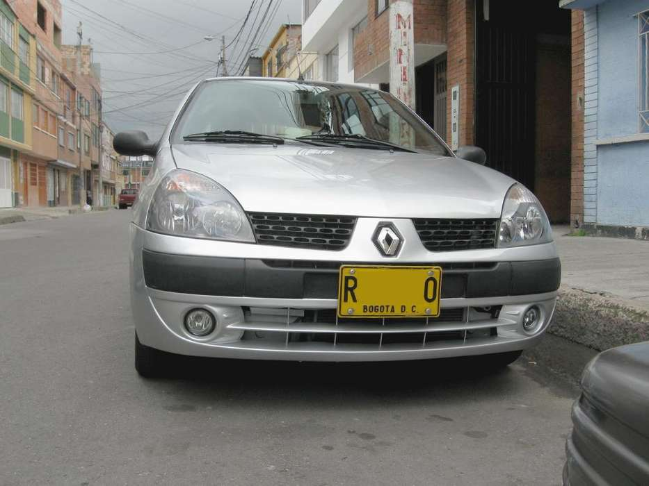 Renault Clio  2010 - 76000 km