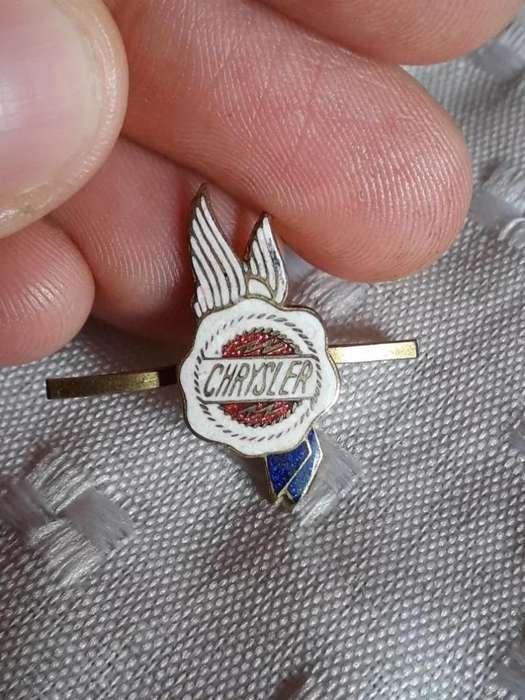 Viejo Pin Chrysler Colección Consultar Stock