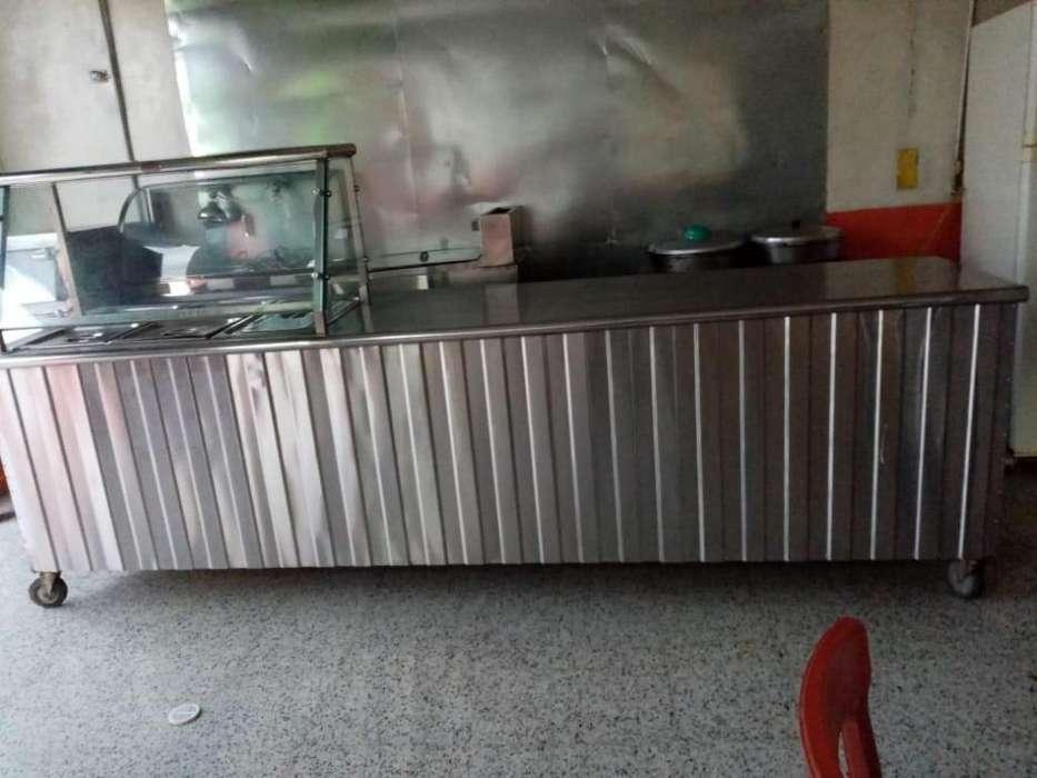 Se vende lote para restaurante en aluminio excelente estado