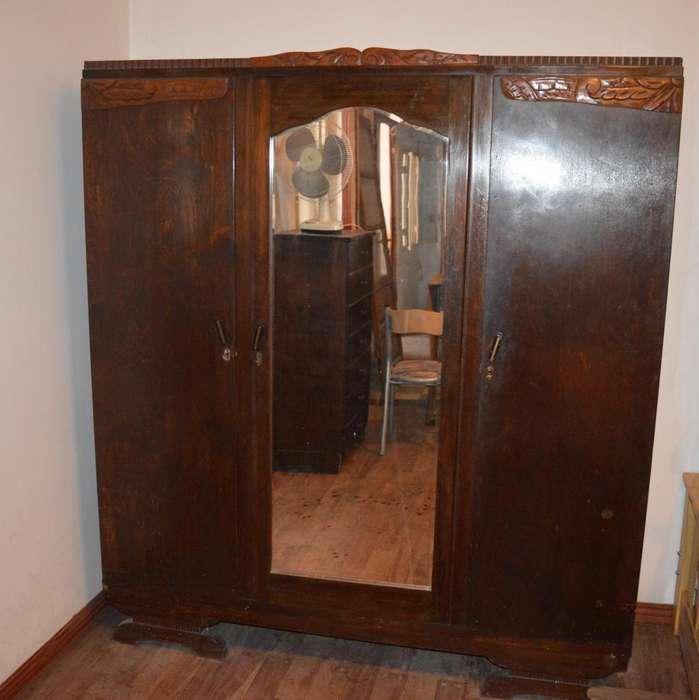 Ropero antiguo con espejo 3 puertas.