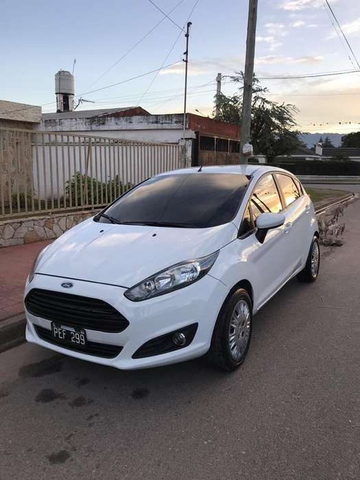 <strong>ford</strong> Fiesta  2015 - 31000 km