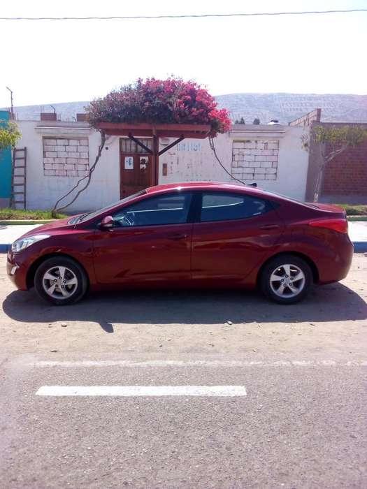Hyundai Elantra 2011 - 83500 km