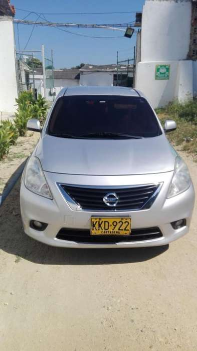Nissan Versa 2012 - 93000 km