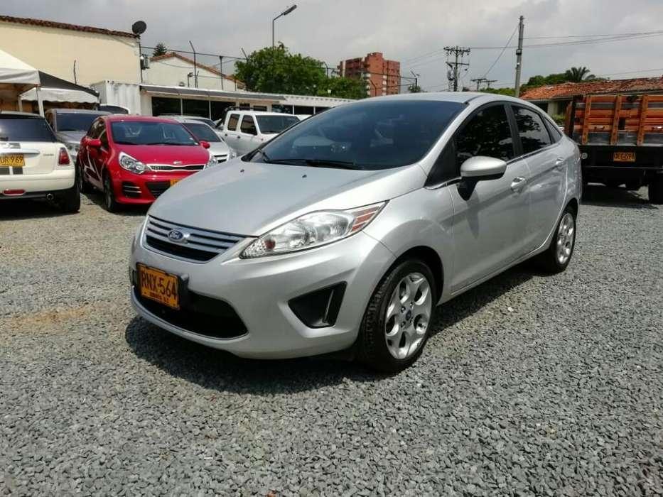 Ford Fiesta  2012 - 53000 km