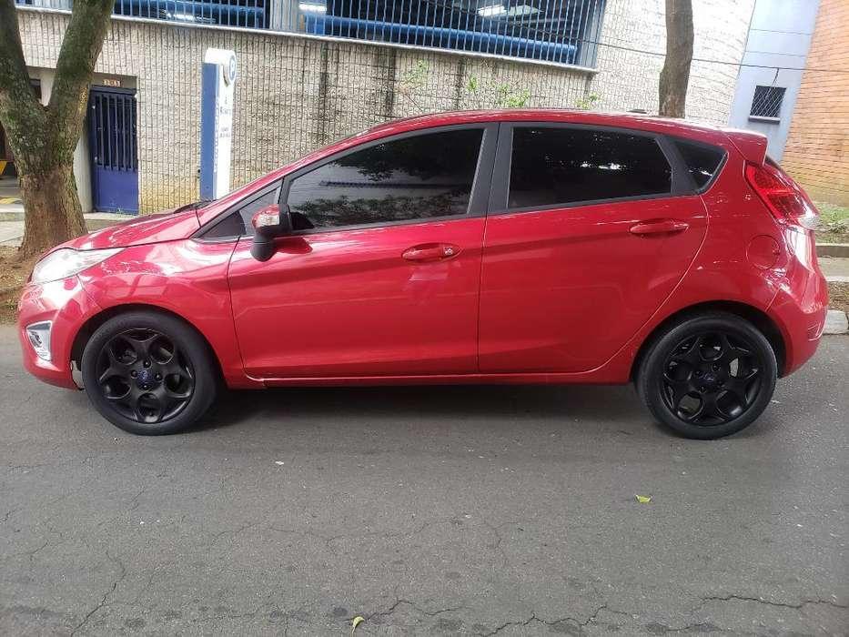 Ford Fiesta  2011 - 43000 km