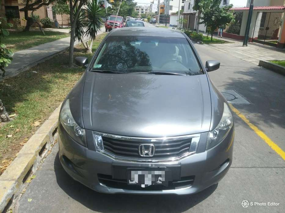 Honda Accord 2010 - 63000 km