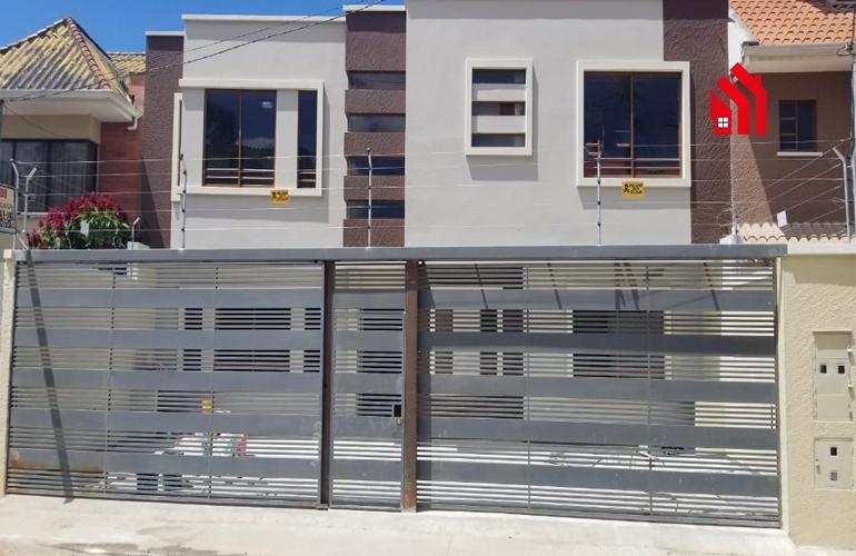 """P1223  Casa Rentera a la venta de dos departamentos  Sector """"Jardines de San Joaquin""""  Precio 169.000"""