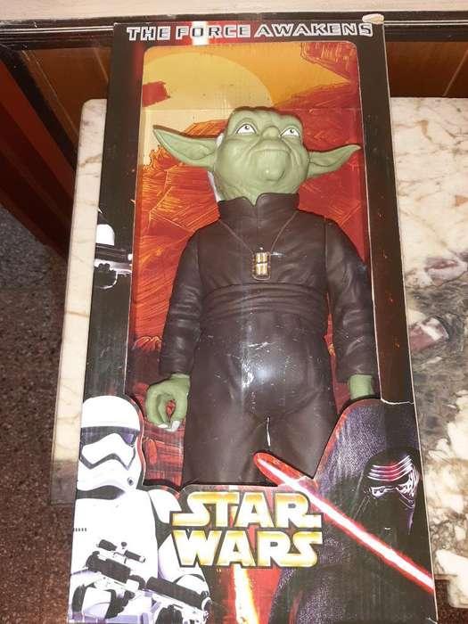 Vendo Maestro Yoda 45 Cm Nuevo en Caja