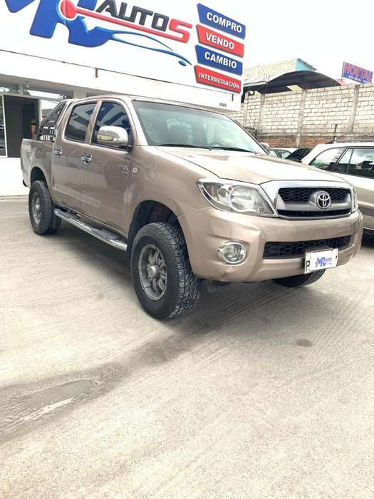 Toyota Hilux 2011 - 200000 km