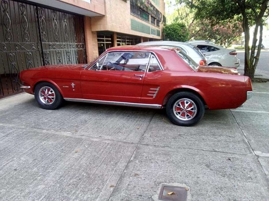Ford Mustang 1966 - 300000 km