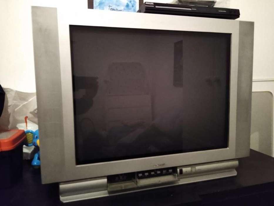 TV Admiral 29 pantalla plana