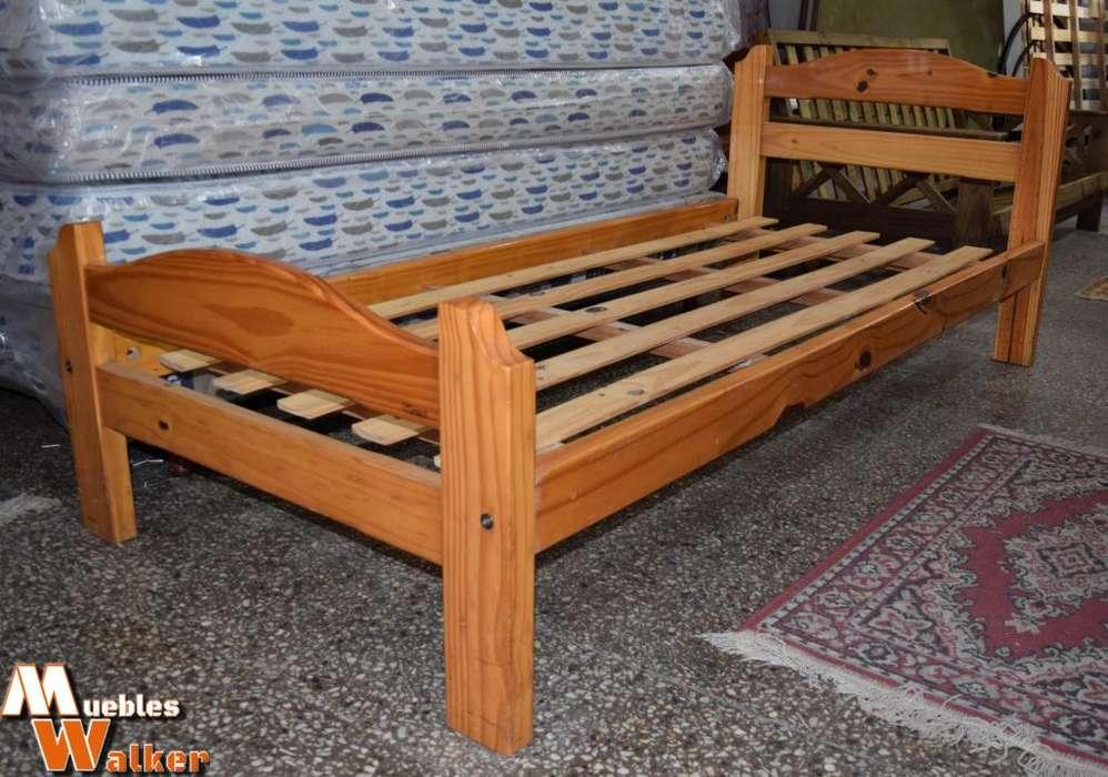 Cama de 1 plaza de pino macizo barnizado