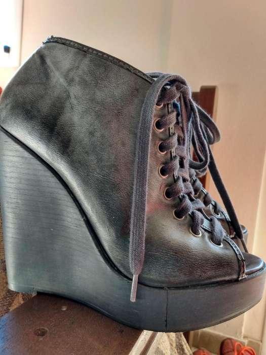 los 2 Zapatos por 3500 talle 37