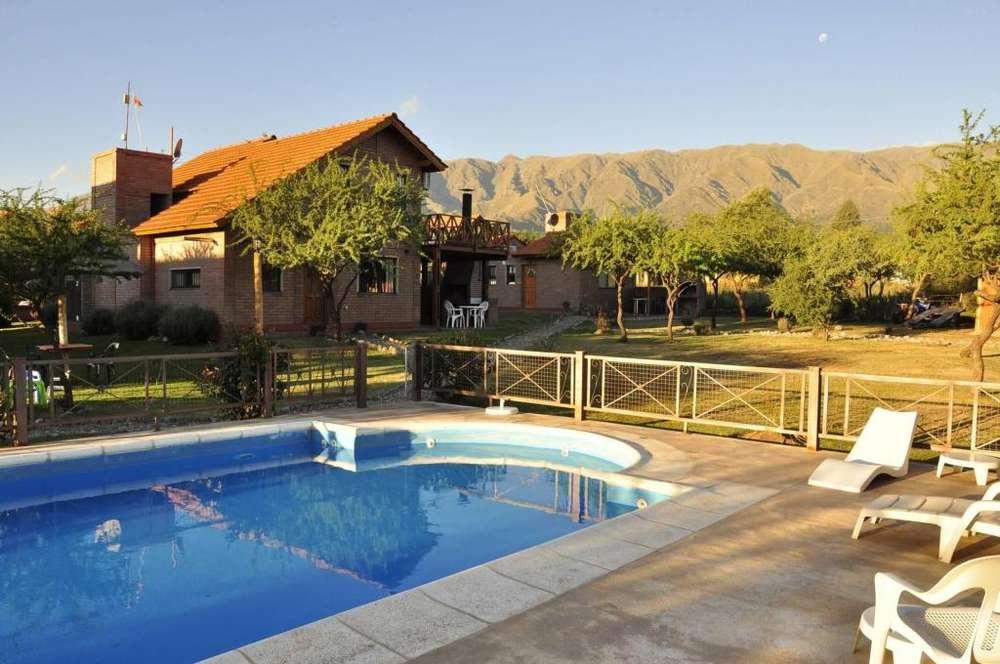 rg02 - Cabaña para 2 a 6 personas con pileta y cochera en Villa De Merlo