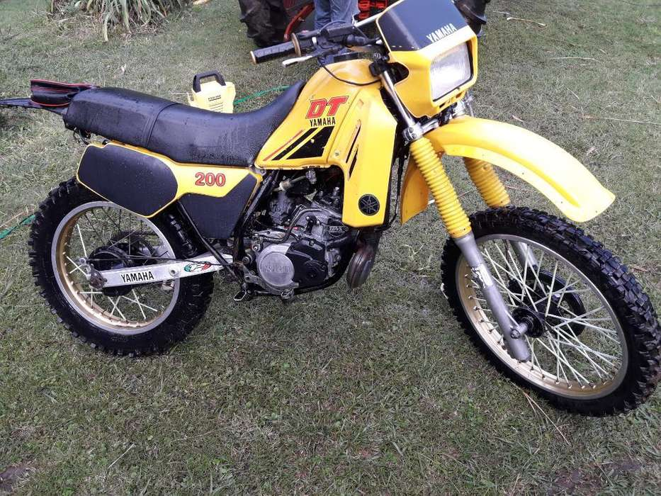<strong>yamaha</strong> Dt 200r