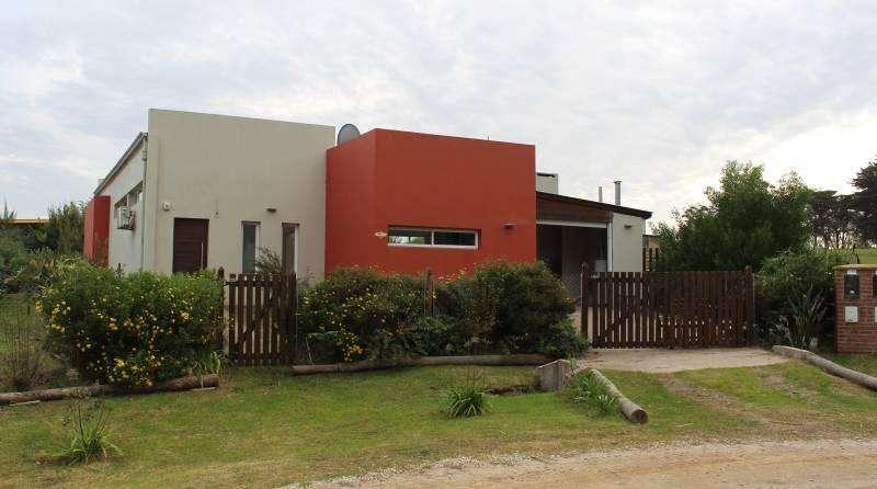OPORTUNIDAD, Casa en Venta en Barrio Cerrado Barrancas de San Benito, Chapadmalal.