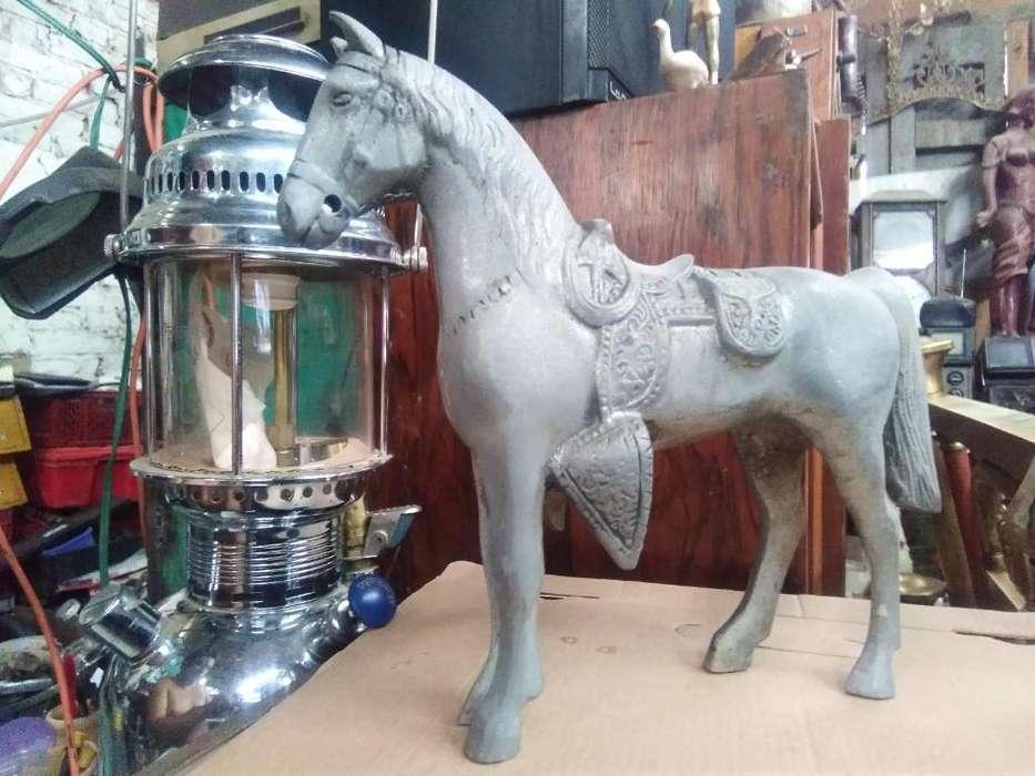 antiguo caballo