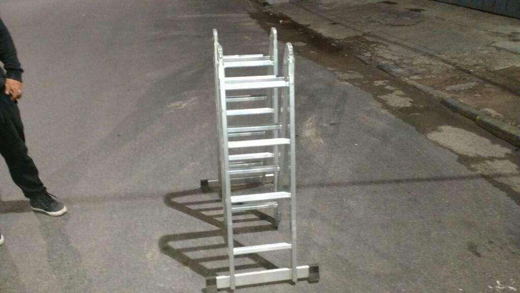 Escalera de 16 Escalones de Aluminio