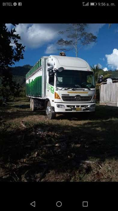 Vendo Camión Hino 1726
