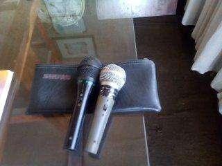 Kit con dos micrófonos,pedal nuevo y Marshalito