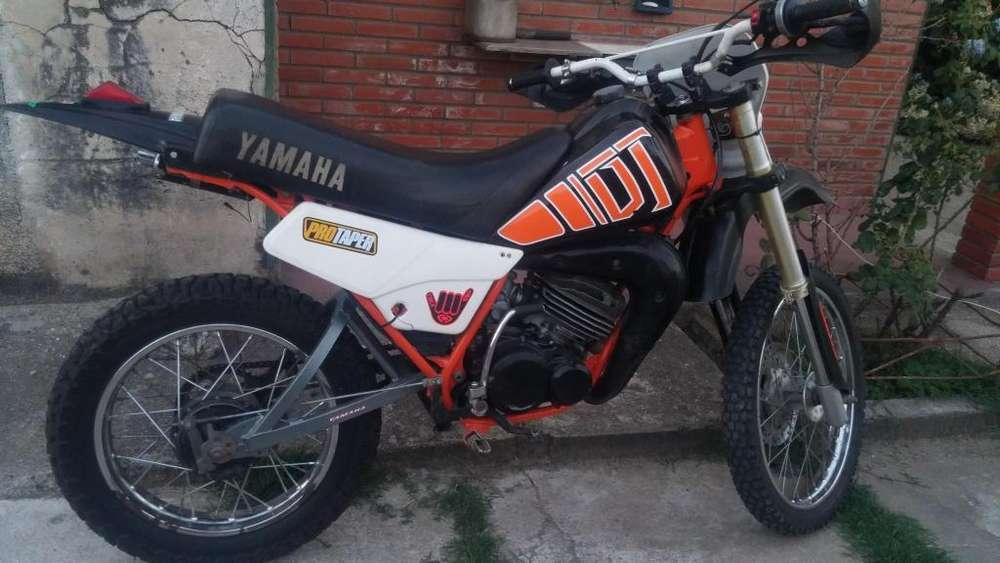 <strong>yamaha</strong> DT 125cc 2T con suspension delantera de 250
