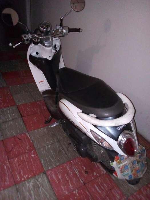 Vendo Moto <strong>yamaha</strong> fino bonita!! ganga-!!