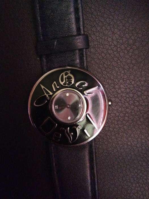Reloj Original Angel & Devil Correacuero