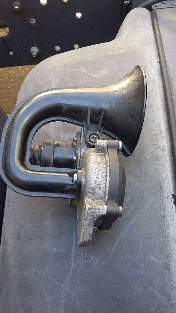 Bocina Mercedes Benz Axor