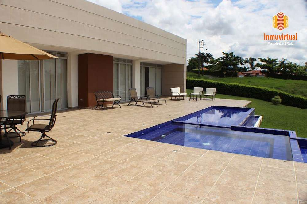 Vendo Moderna Casa Campestre en Cerritos