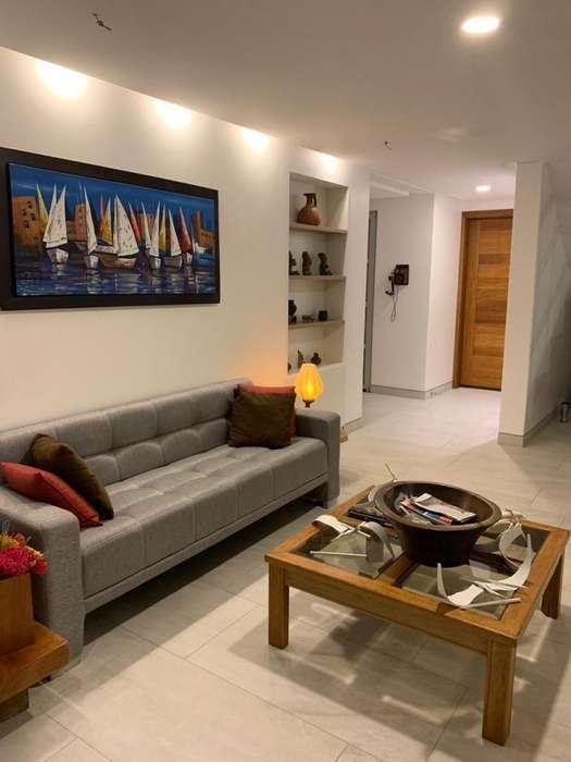 Se alquila amoblada, hermosa y moderna casa en Ciudad del Mar, Manta