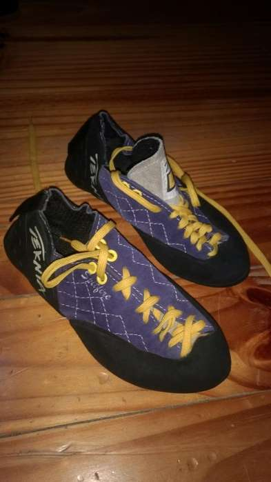 Zapatillas de Escalada Tenika
