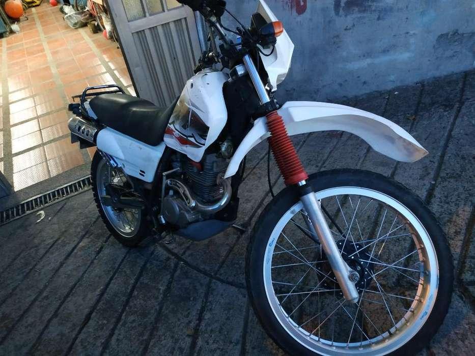 Honda Xlr 125 Honda Colombia Vehiculos Colombia