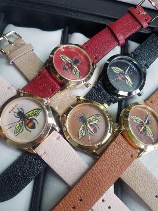 Reloj Dama Avispa