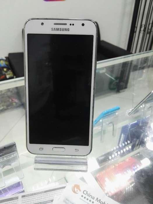 Samsung Galaxy J7 en Buen Estado