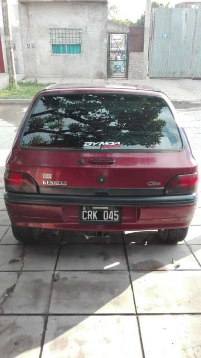 Renault Clio  1999 - 4000 km