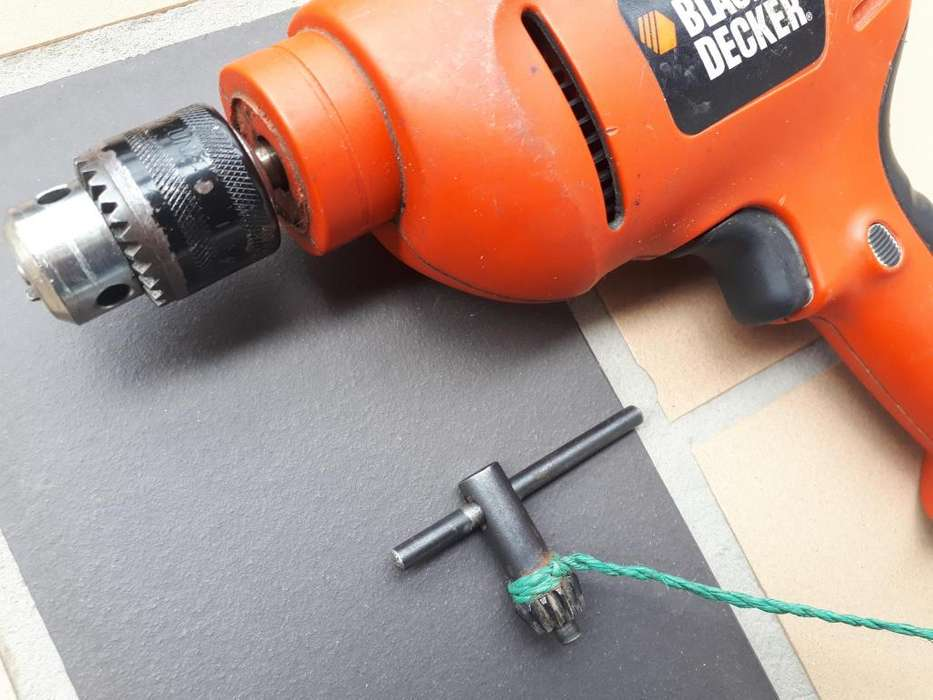 TALADRO BLACK AND DECKER MANDRIL DAÑADO