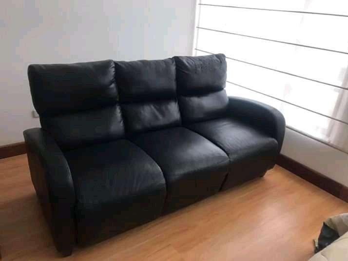 Sofá tres asientos, dos reclinables
