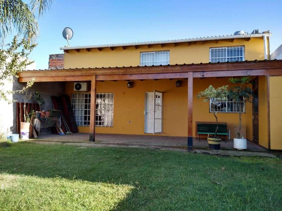 Casa Quinta de dos dormitorios en venta en Los Hornos La Plata