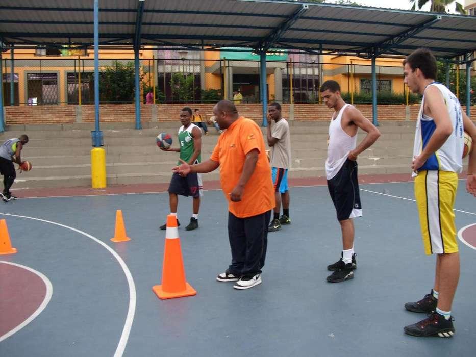 Entrenador profesor coach Baloncesto Alto Rendimiento