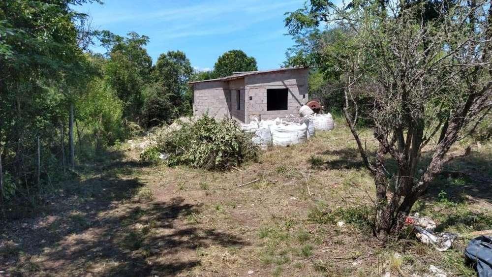 Terreno con Construcción en Casa Grande