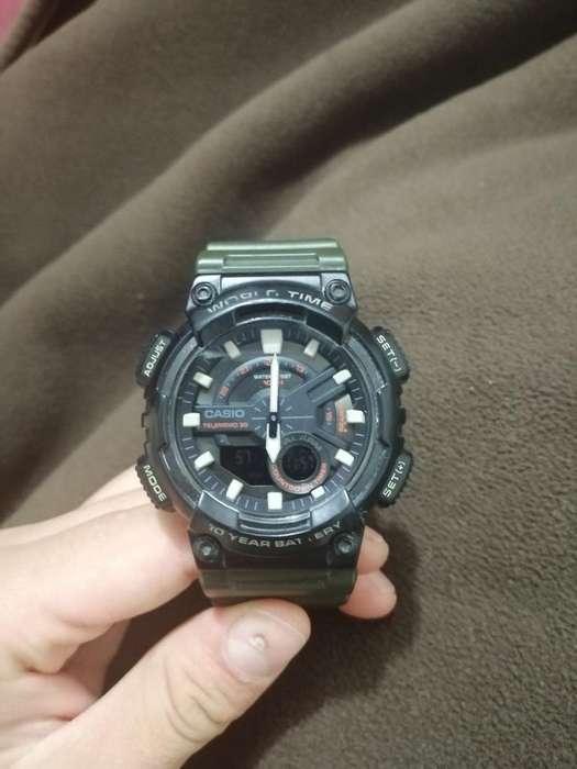 Reloj Casio Híbrido