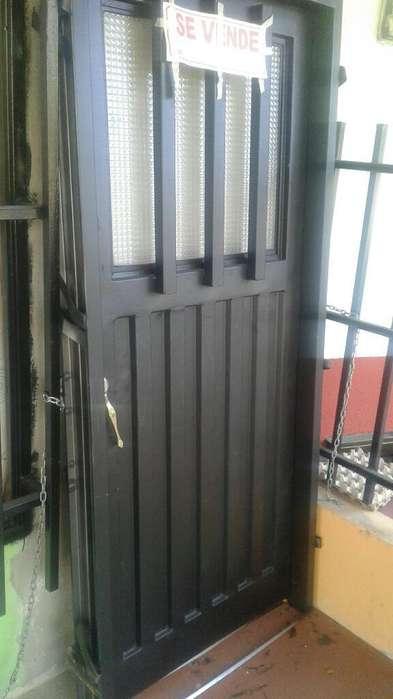 Puerta Metalica Frontal con Luceta