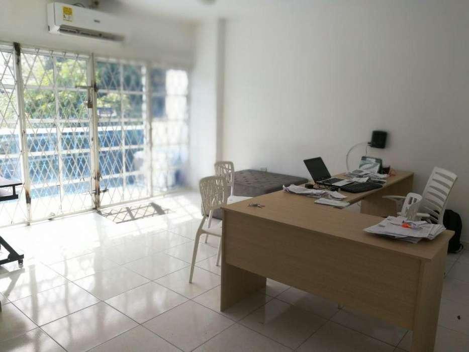 ARRIENDO OFICINAS EN BUEN SECTOR AVENIDA CARTAGENA - wasi_590516