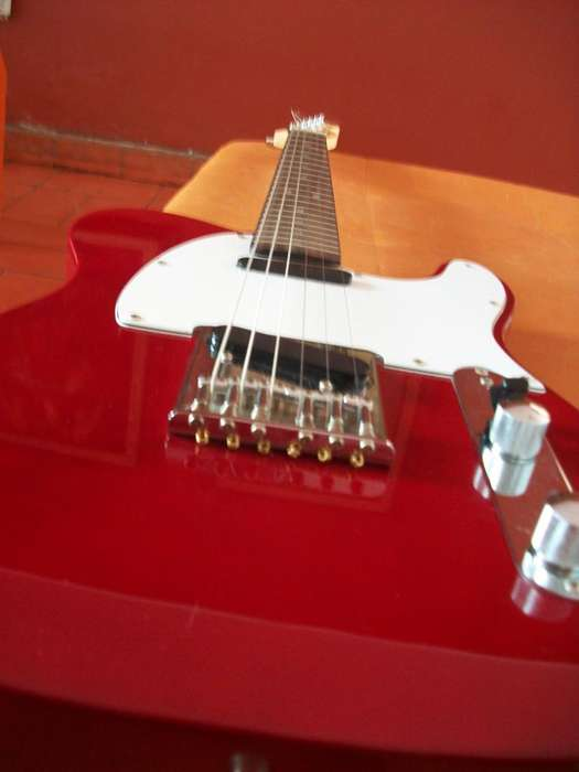SQUIER DE FENDER TELECASTER CALIFORNIA SERIES