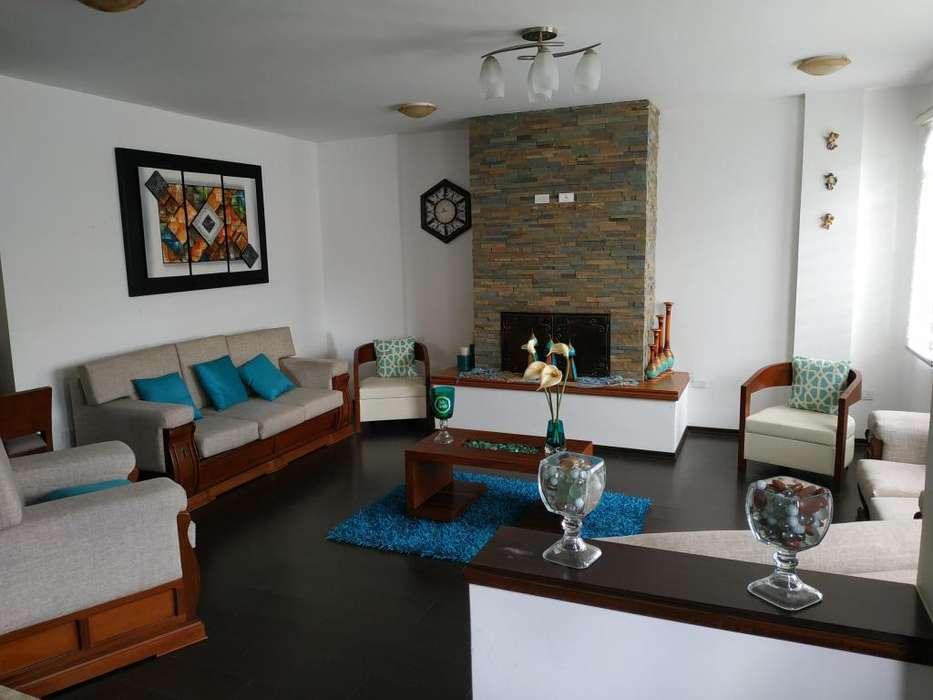 Casa Independiente en Venta Prados de la Hacienda 340m2 construcción, 5 dormitorios altillo