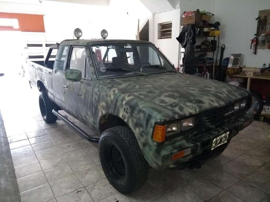 Nissan D21 1982 - 125000 km
