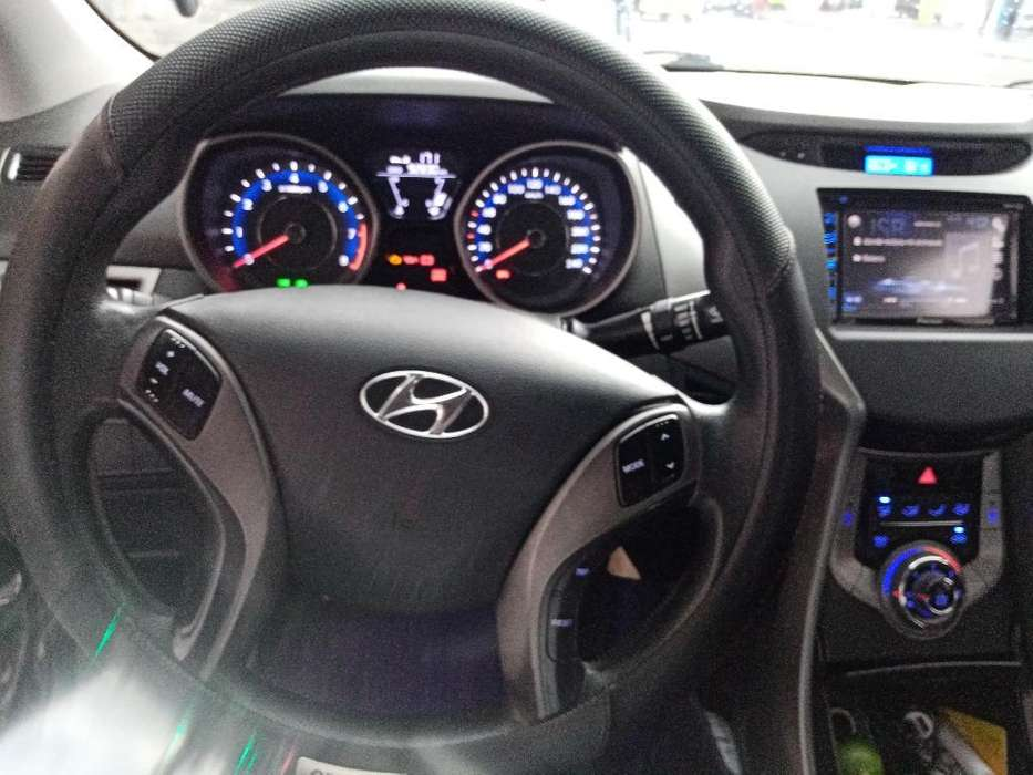 Hyundai Elantra 2013 - 92000 km