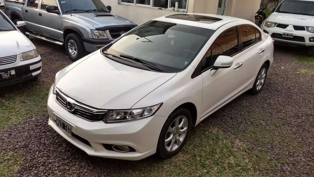 Honda Civic 2013 - 143000 km